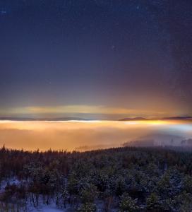 Svítící mlhy nad Tišnovem